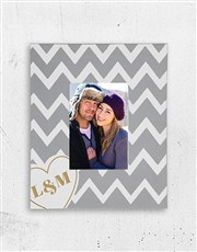 Make memories with this lovely A5 photo frame whic