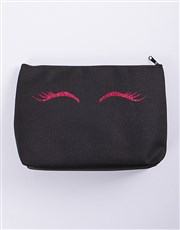 Get those eyes fluttering with this stylish black