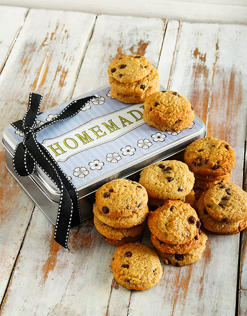 cookies-and-biscuits: Buttery Chocolate Chip Cookie Tin!