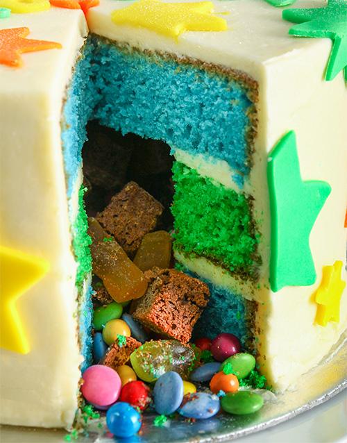 cakes: Special Star Pinata Cake 20cm!