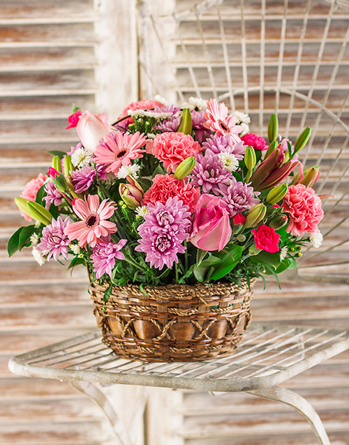 love-and-romance: Pink Flower Basket!