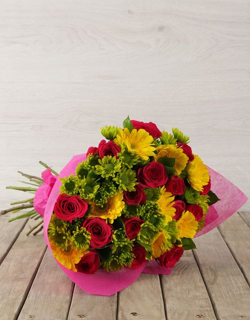 secretarys-day: Mixed Pink & Yellow Flower Bouquet!