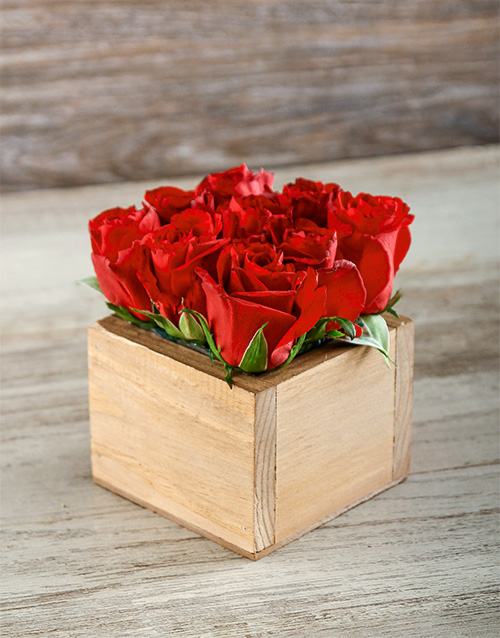 wooden-crates: Red Roses Box!