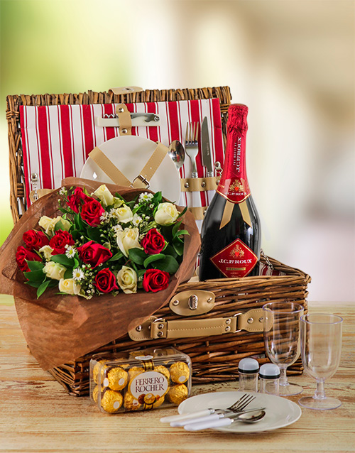 roses: Romantic Roses and Picnic Basket for Two!