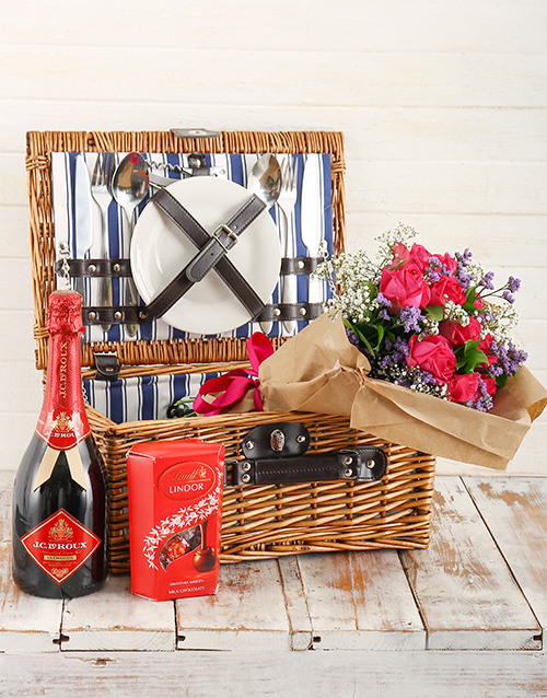 basket: Romantic Picnic for Two!