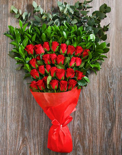 colour: Glowing Heart Rose Bouquet!