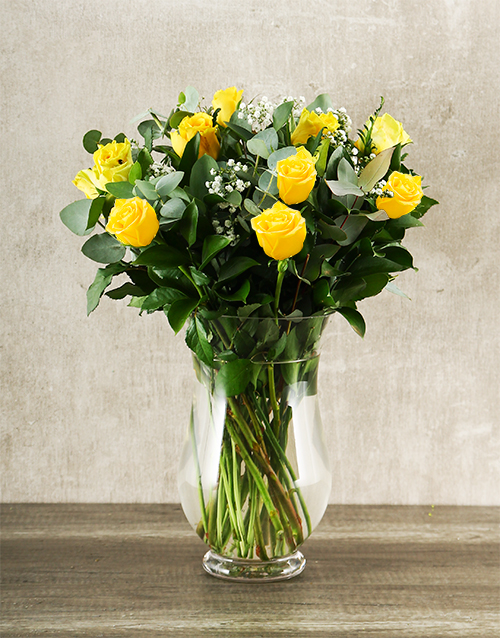 friendship: Bunch of Yellow Roses in a Vase!