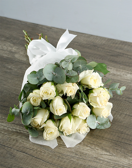 roses: Bouquet of White Roses!