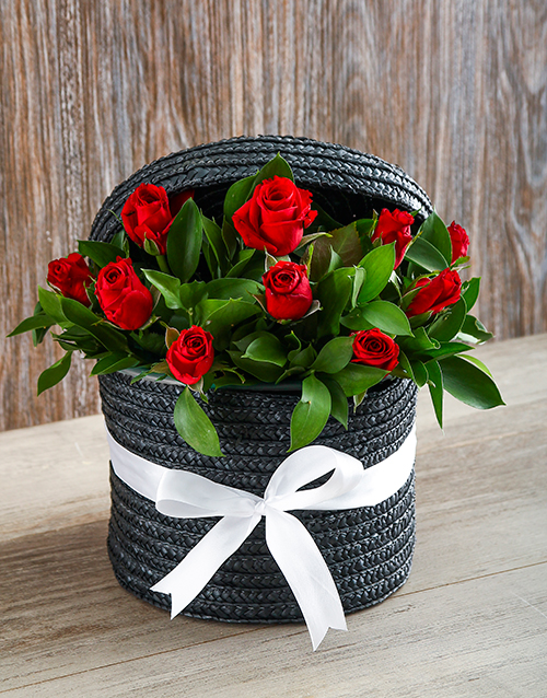 roses: Red Rose Hat Box!