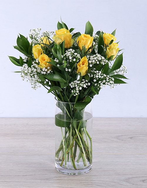 colour: Yellow rose arrangement in a vase!