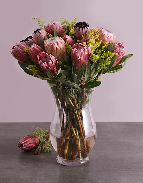 seasonal: Mixed Proteas in a Vase!