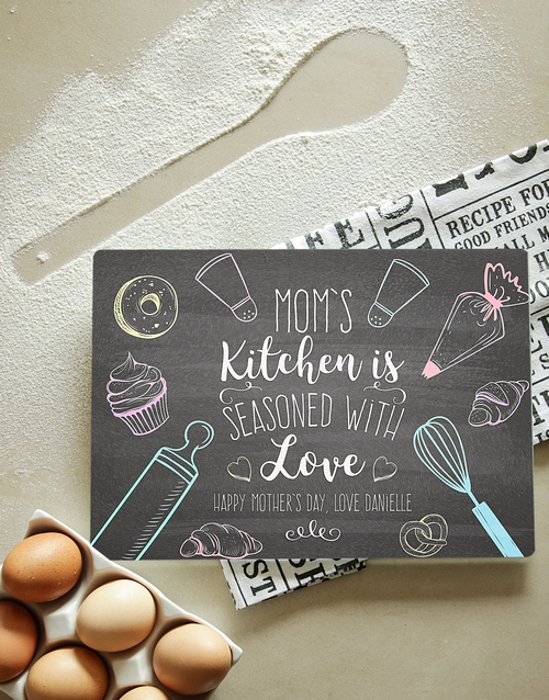 mothers-day: Personalised Moms Kitchen Glass Chopping Board!