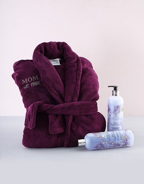 personalised: Moms Personalised Gown and Pamper Hamper!
