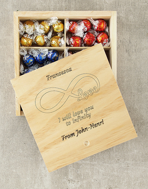 chocolate: Personalised Infinity Love Lindt Box!