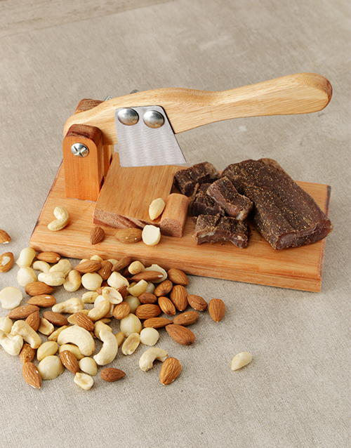 gourmet: Small Biltong Cutter with Biltong & Nuts!