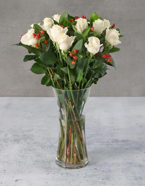 engagement: Cream Roses with Hypericum in Vase!