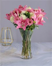 Picture of Pastel Seasonal Flowers in a Glass Vase!