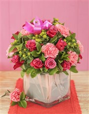 Picture of Carnation and Rose Vase!