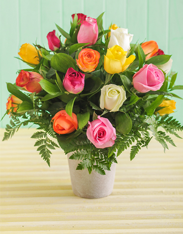 Picture of Mixed Roses in a Pottery Vase!