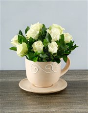 Picture of White Roses in a Teacup!