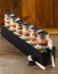 gifts: 6 Strawberries and Cream Cupcake Jars!