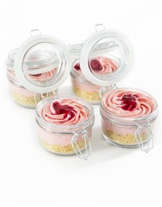 bakery: Strawberry Cheesecakes in a Jars!