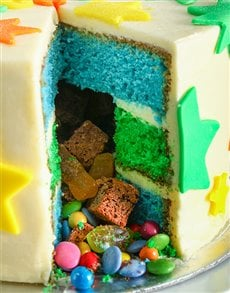 bakery: Special Star Pinata Cake 20cm!