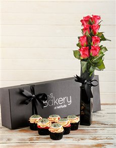 bakery: Engagement Cupcakes and Flowers!