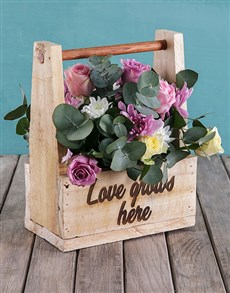 gifts: Breathtaking Royalty Roses in Wooden Crate!