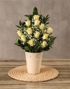 flowers: Arrangement of Cream Roses!