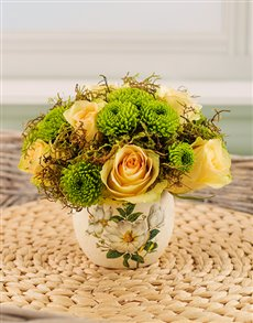 flowers: Fresh and Fragrant Yellow Arrangement!
