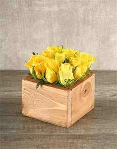 flowers: 9 Yellow Roses in Wooden Box!