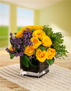 flowers: Yellow Kenyan Cluster Roses in Black Vase!