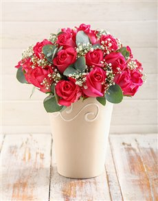 flowers: Charming Cerise Roses in Pottery Vase!