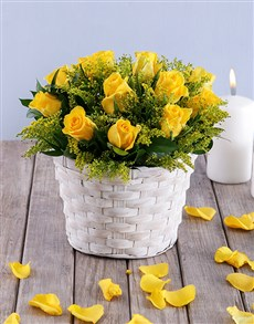 flowers: Petite Yellow Rose Basket!