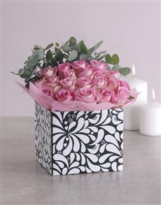 flowers: Pink Roses in Black and White Box!