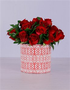 flowers: Red Roses in Detailed Pot!