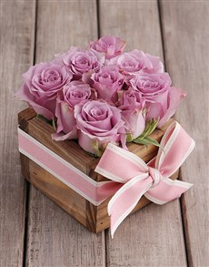 flowers: Purple Roses in Wooden Box!