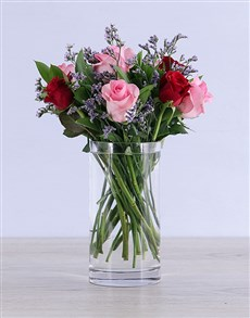 flowers: Dreamy Mixed Roses in Clear Vase!