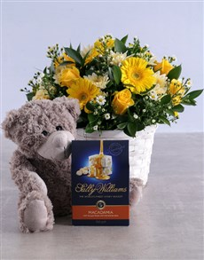 flowers: Golden Flower Hamper!