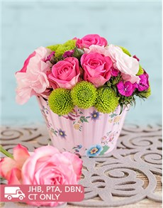 flowers: Pink Rose Flower Cupcake!