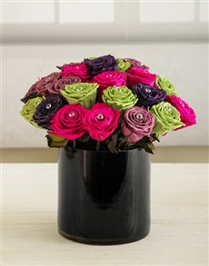 flowers: Blooming Roses in Black Vase!