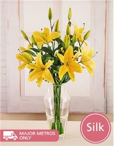 flowers: Silk Cadenza Lily in Vase!