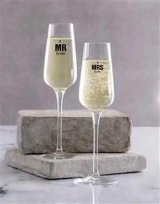gifts: Wedding Champagne Glass Set!