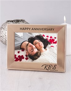 gifts: Personalised Anniversary Gold Photo Frame!
