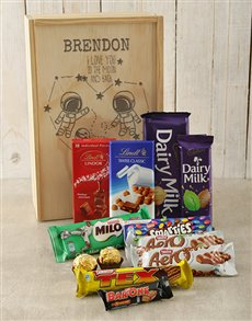 gifts: Personalised Moon and Back Choc Crate!