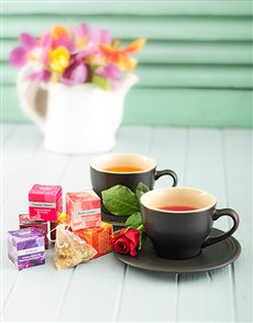 gifts: Le Creuset Teacup Set with Silk Infused Teas!