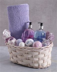 gifts: Bathtime Baylis and Harding and Fizz Ball Basket!