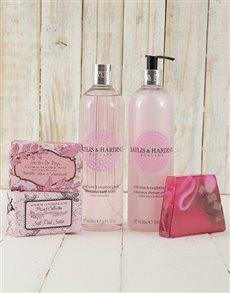 gifts: Baylis & Harding Wild Rose Pamper Hamper !