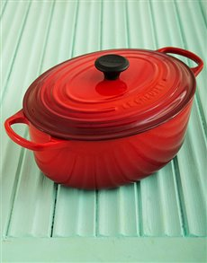 gifts: Le Creuset Oval Casserole Dish !